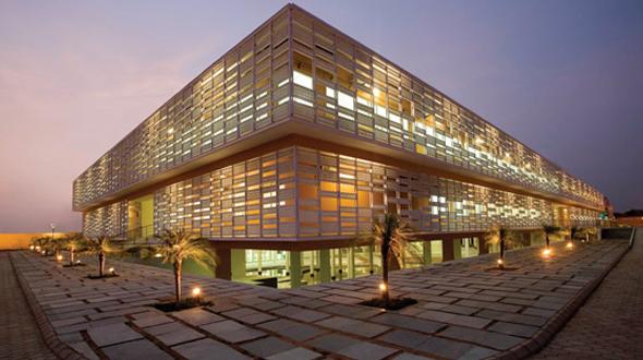 Torrens University (00246M)